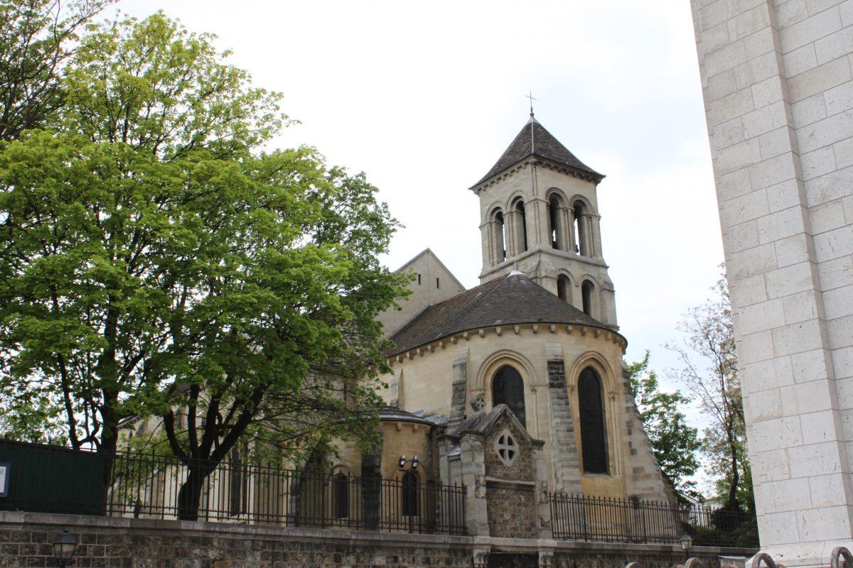 <パリの数少ないロマネスク サン・ピエール・ドゥ・モンマルトル>(著者撮影)