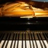 <新たにもたらされた二台目のピアノ>