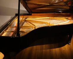 <スタジオのピアノです>